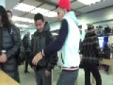 Annoying Palestinian Man Causes Havoc And Drama In An Apple Store In America