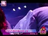 Cheng Guanxi - A Hong Kong Singer Performs In A Bar Of Mainland China