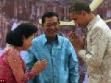 Cambodia's First Lady Mocks Obama With A 'greeting That's Meant For Servants Servant Greeting