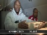 Floyd Mayweather Jr. Count $1-Million Cash On His Private Jet After Getting Out Of Jail
