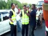 MALAYSIA POLICE PICKING FIGHTS WITH TAMIL MAN