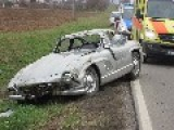 Mechanic Wrecks Classic Mercedes-Benz 300 SL Gullwing Coupé