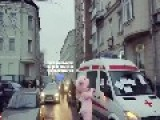 Only In Russia: Hire An Am 288f Bulance Instead Of A Taxi To Beat Traffic!