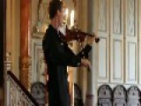 Solo Violonist Reacts To Cellphone Ringtone In Audience