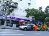 She Refused Getting Her Car Towed Away - Japan