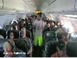 THE HARLEM SHAKE ON A PLANE