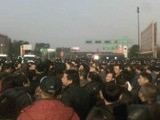 Angry Protestors Storm Police Station In China&#039 S Jiangxi Province