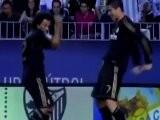 Cristiano Ronaldo Imite Neymar... &agrave La Danse !
