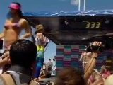 Erotische Meile: Hunderte Bikini-M&auml Dchen An Gold-K&uuml Ste