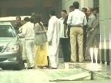 Exclusive Footage Of Mom To Be Aishwarya Rai Bachchan' S Visit To Hospital - 2011