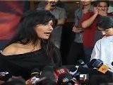 Hot & Sexy Chitrangda Praises Irfaan Khan At &#039 Ye Saali Zindagi&#039 First Look