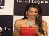 Lusty Malaika Arora Looks Like Sex Goddess In Red Off Shoulder Gown