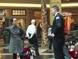 Mall Security Forces Mom &#039 Flash Mob&#039 To Stop Breastfeeding