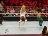 Raw 29.8.11: Kelly Kelly Vs. Brie Bella