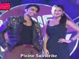 Sex Bomb Anushka Sharma & Ranveer Singh&#039 S Hot Poses @ Promotion Of Ladies Vs Ricky Bahl