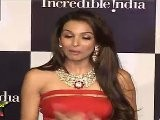 Very Hot Malaika Arora Shows Her Tight Bosoms Through Sexy Red Gown