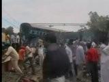 Zug In Indien Entgleist - Dutzende Tote