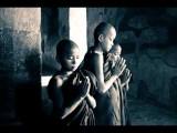 Om Mani Padme Hum Avalokiteśvara Bodhisattva Children Chanting