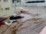 Jeddah Flood سيول جدة حوادث السيارات في الرعب مع الناس 2009