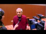 Ron Paul Answers Reporters' Questions In Anchorage, Alaska