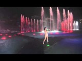 Thunderstruck Remix In The Fountain! Caitlin - Electric Violinist