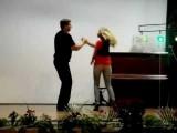 Dança De Salão - Aula De Rock Soltinho - Dança Na Escola - Dance A Dois - Dança Rock Soltinho